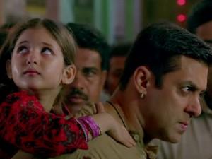 Young and innocnent Harshaali Malhotra with Salman Khan