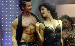 Hrithik sure is a mix of good looks and picture-perfect body!!