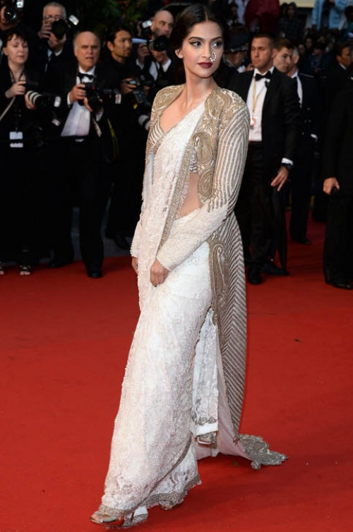Sonam Kapoor: Shinning and stunning on the red carpet